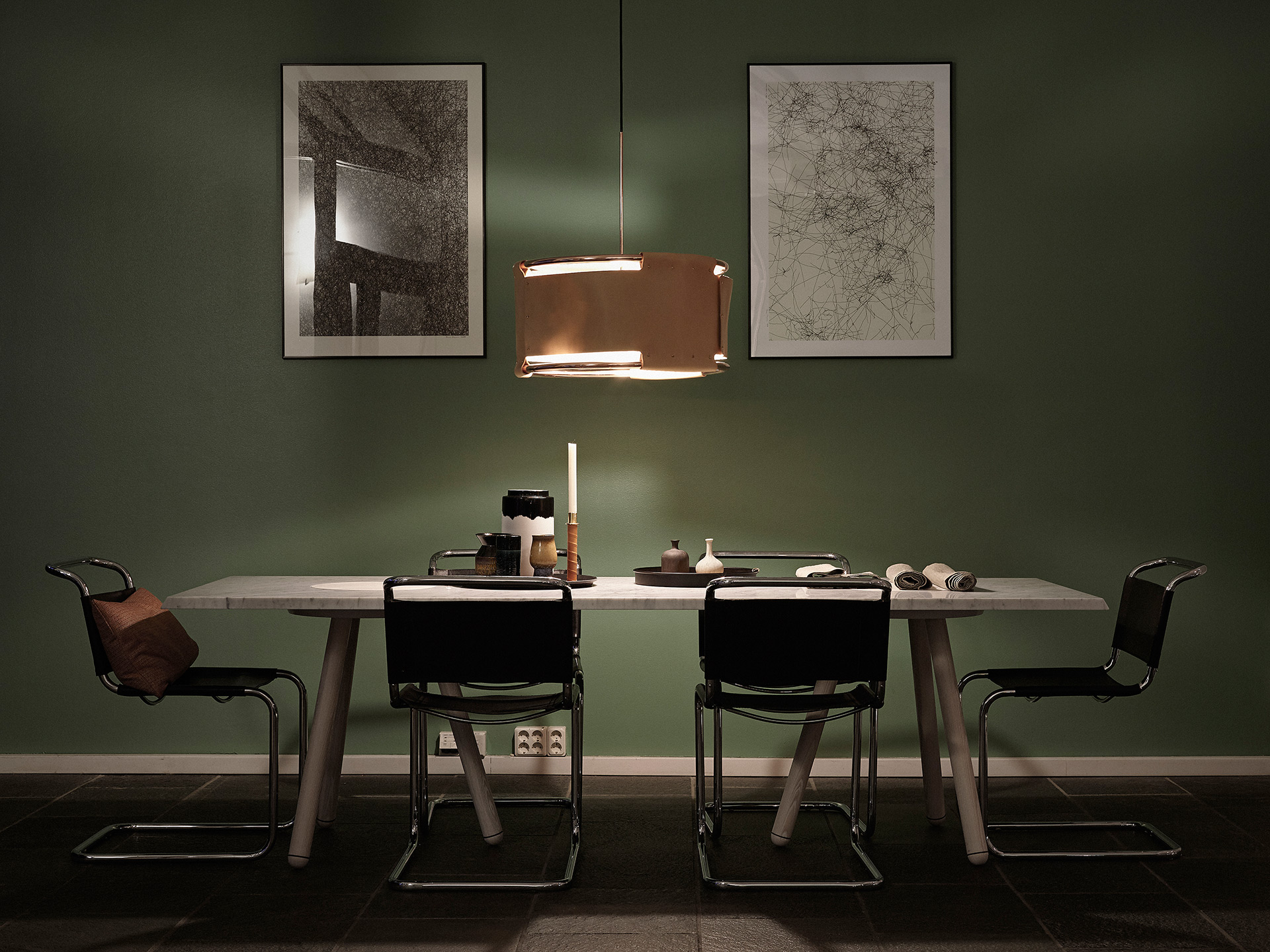 Matbord & lampa: Ready-Made, Konst: Erik Rosman by Arrivals